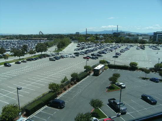 Hilton Santa Clara: Hotel Parking lot and Great America Parking Lot