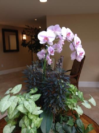 Oceano Hotel & Spa Half Moon Bay: floral arrangement