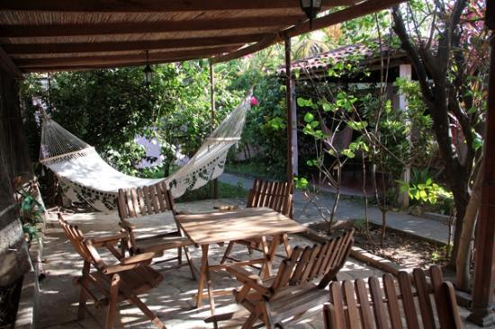 Hotel Kekoldi de Granada: The garden.