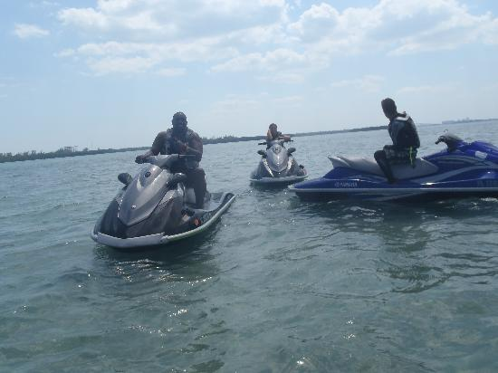 Jetski Tours of Miami: Yes, Warren Sapp is one of our repeat customers.