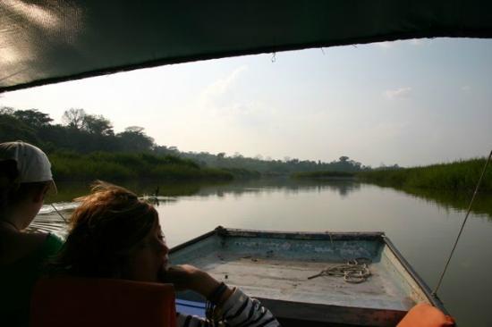 Nitun Private Reserve : Going to Aguateca ruins, Petexbatun lagoon, Guatemala