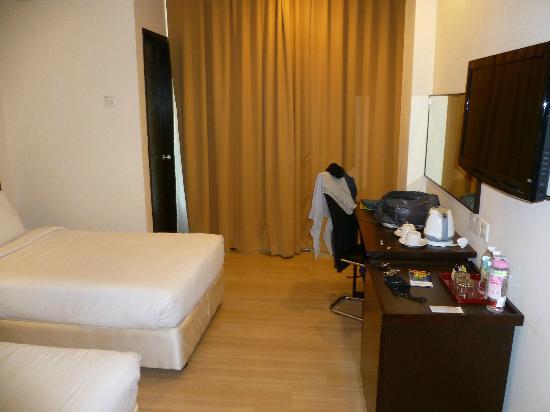 De Garden Hotel: The Room 1