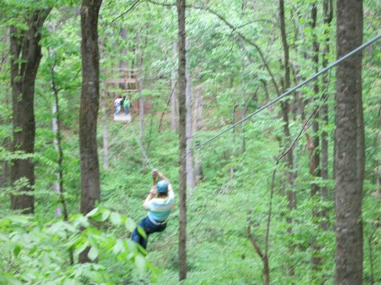 Boonville, Carolina del Norte: Zipping