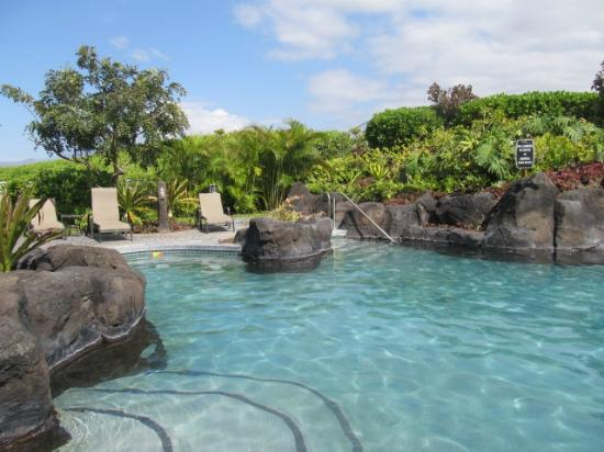 Outrigger Waikoloa Beach Villas: beautiful pool w lava rock and waterfalls