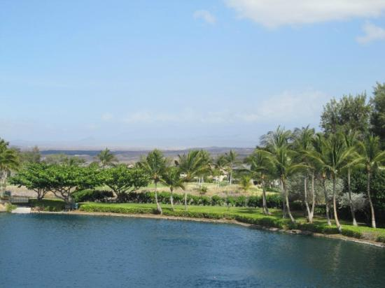 ‪‪Outrigger Waikoloa Beach Villas‬: view toward Beach Villas from top of Kings Marketplace‬