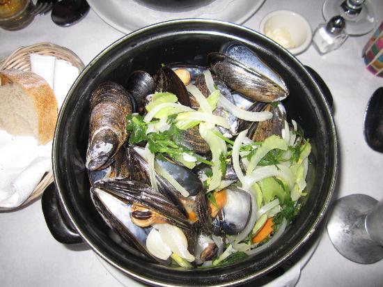 B. Cafe East : Mussels in Beer