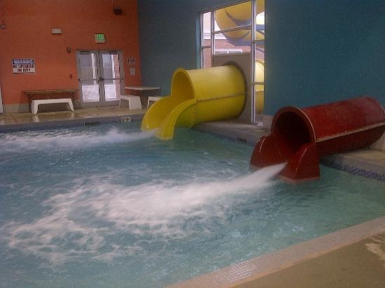 Country Inn & Suites by Radisson, Gillette, WY : Water slides