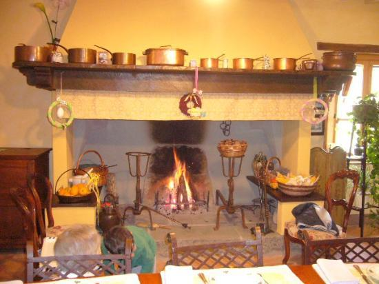 La Posta di Confine: The FirePlace