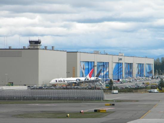 Future of Flight Aviation Center & Boeing Tour: The world's largest building by volume, Boeing Plant