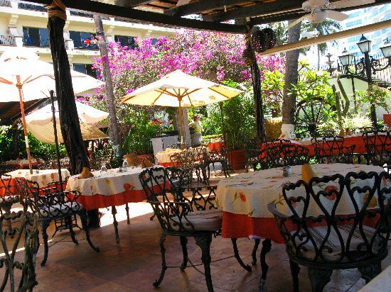 Vallarta Torre: Inside the restaurant