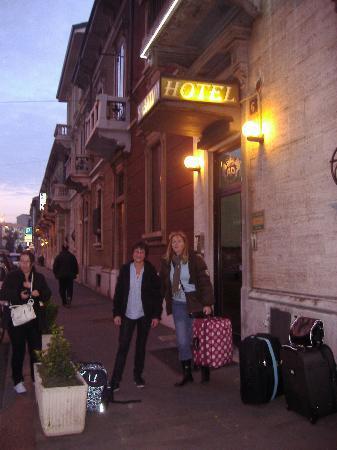 Hotel Sabatino : Hotel indgang
