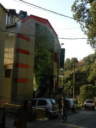 Kapil Hotel: The Hotel