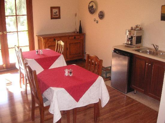 Rosedale Bed & Breakfast: Dining room
