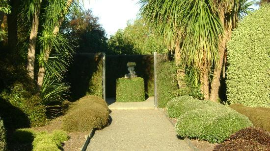 St Andrews Escape: Sculptured garden. Take a walk here, you never know what you will stumble upon.