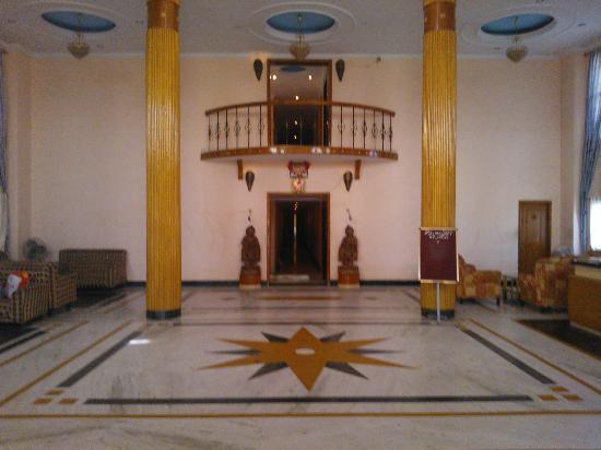 Hotel Jyoti Residency: lobby area