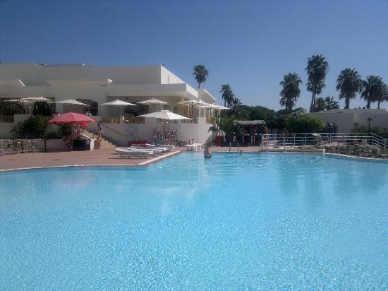 Delfino Beach Resort & Spa : oberer Pool in richtung Speisesaal