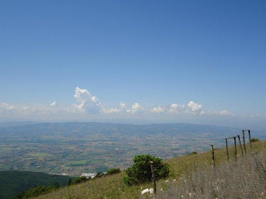 panorama dal monte subasio