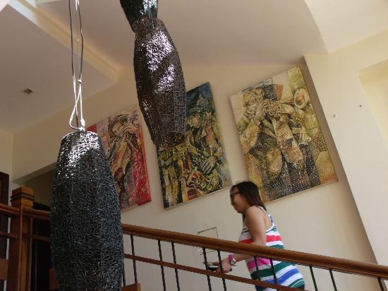 The Manor at Puerto Galera: Fine Art at the Lobby