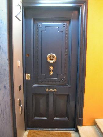 Vrabac Guesthouse: Eingangstür für die Etage