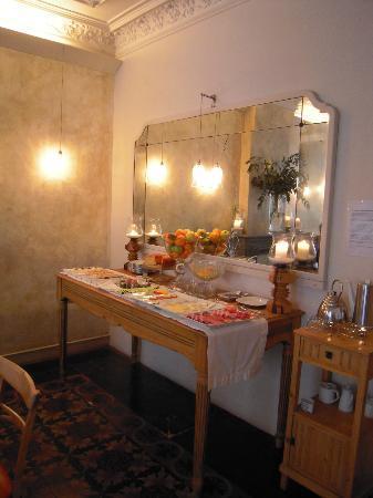 Vrabac Guesthouse: das leckere Buffet