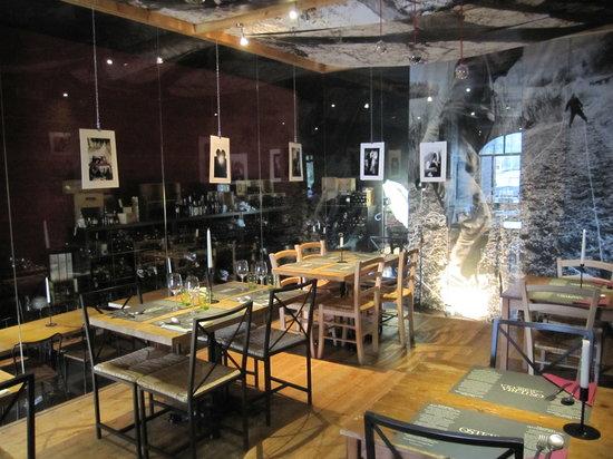 San Miniato, Itália: la stanza di là dell'osteria agricola