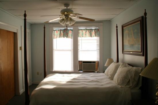 Village Tavern Inn: Zimmer 1
