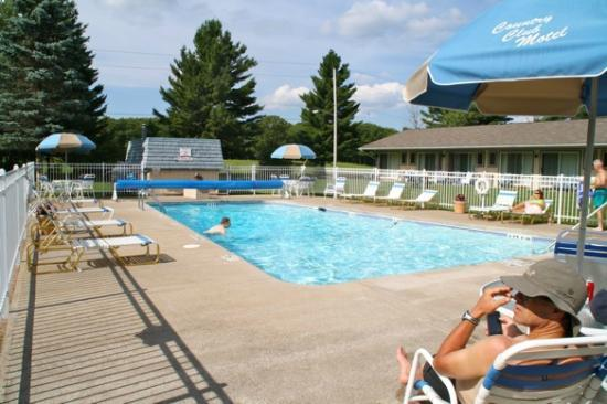 Country Club Motel: Pool