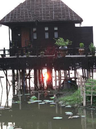 Myanmar Treasure Inle Lake : Bungalow
