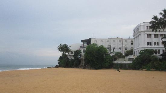 Landscape - Mount Lavinia Hotel: Hotel Mount Lavinia from the beach
