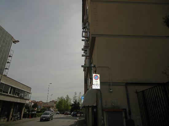 Careggi: hotel facade