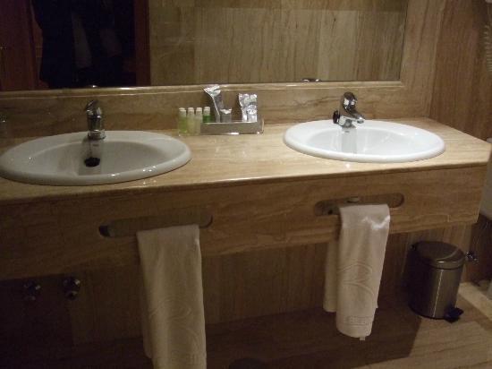 Extractor De Baño A Pilas:Pilas en el baño – Foto di Hotel Regina, Madrid – TripAdvisor