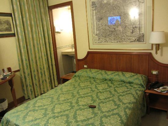 Amalfi Hotel: Room - very clean