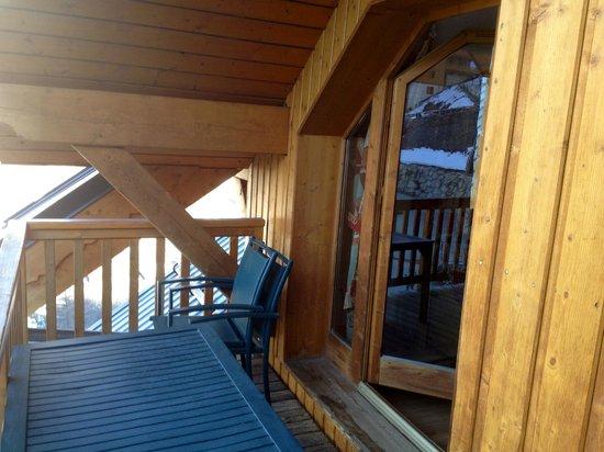 Résidence Odalys Le Hameau et les Chalets de la Vallée d'Or : balcon