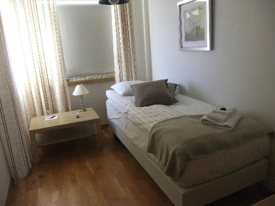 Akra Guesthouse: single room