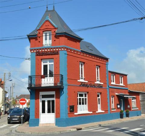 Auberge de la Marine: La jolie façade rénovée