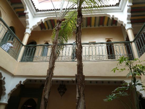 Riad Kerdouss: vue sur les chambres depuis le patio