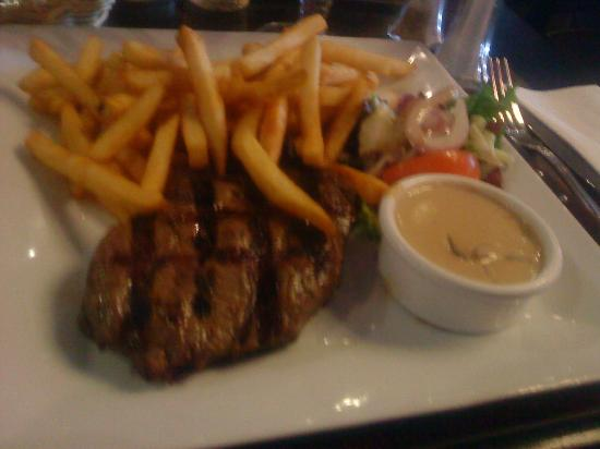 Brussels Grill : traditional Belgian steak and chips