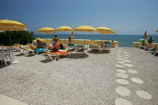 Hotel Lido Beach : Plage privée hôtel LIDO BEACH 2
