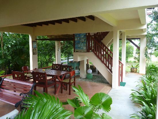 Teluk Iskandar Inn: Relaxing area