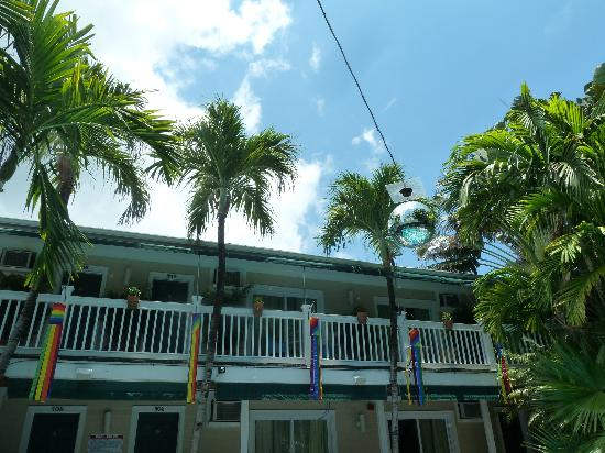 island house key west hookup Book island house, key west on tripadvisor: see 483 traveler reviews, 519 candid photos, and great deals for island house, ranked #2 of 21 specialty lodging in key west and rated 45 of 5 at tripadvisor.