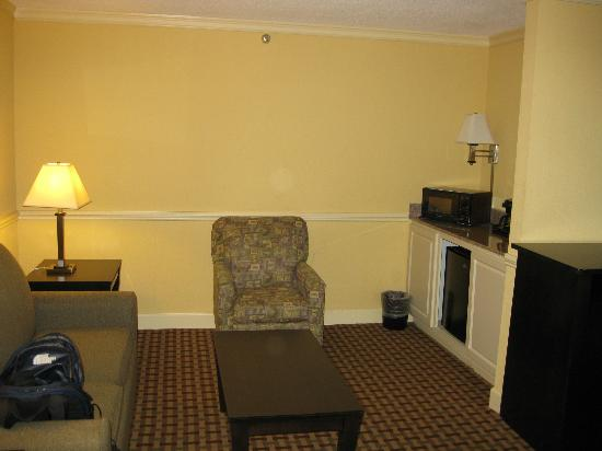 La Quinta Inn & Suites Atlanta Airport South: Sitting area