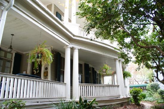 Cannonboro Inn: Beautiful home