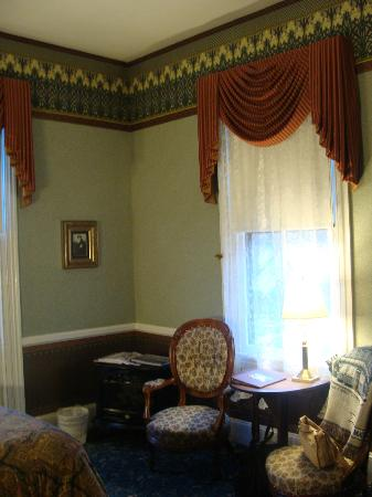 The Queen Victoria: Our room