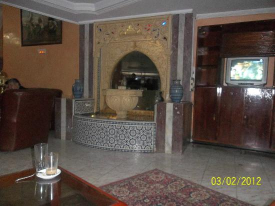 Larache, Maroko: Hall dell'hotel.