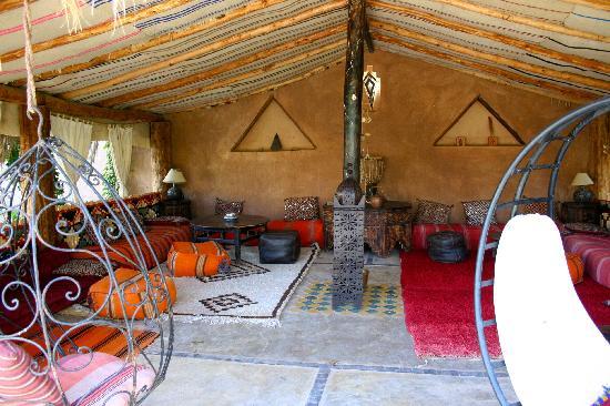 Bab El Oued Maroc Ecolodge: Un Petit Salon Marocain Dans Le Jardin