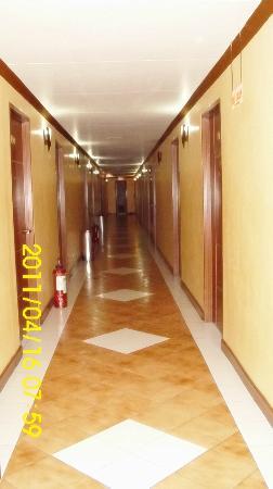 Hotel Soriente: Hallway at the 4th Floor