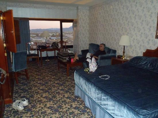 Nugget Casino Resort: room