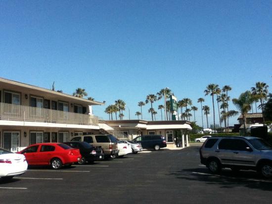 Knights Inn Anaheim: View of hotel