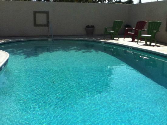 Knights Inn Anaheim: Pool