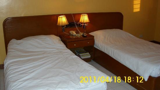 Hotel Soriente: 2 Beds / Twin